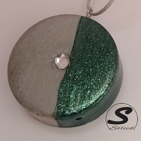 Solied Green Sparkle Pendants